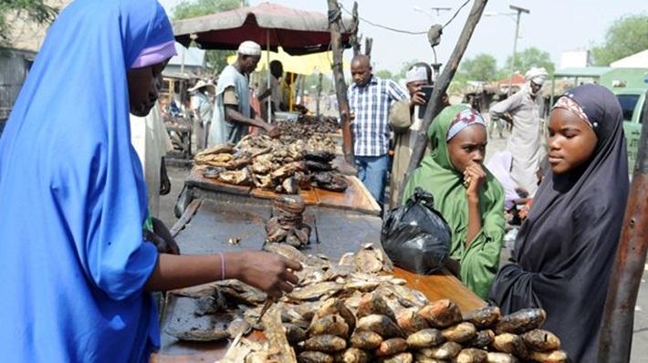 nigeria_fish_vendor_g
