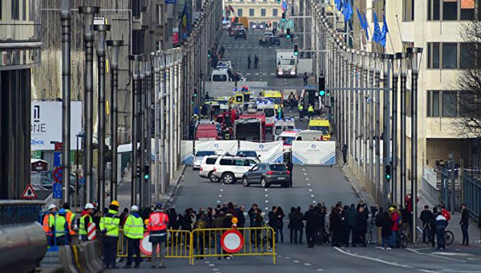 На месте взрыва в метрополитене Брюсселя, 22 марта 2016 года