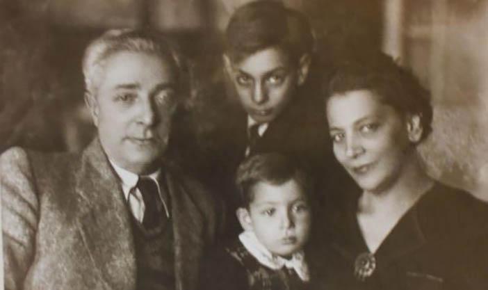 Борис Збарский с женой и сыновьями, 1946 год