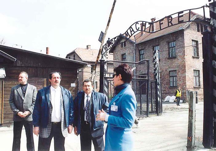В концлагере Освенцим, где погибли дедушки и бабушки,  родившиеся в Мукачево