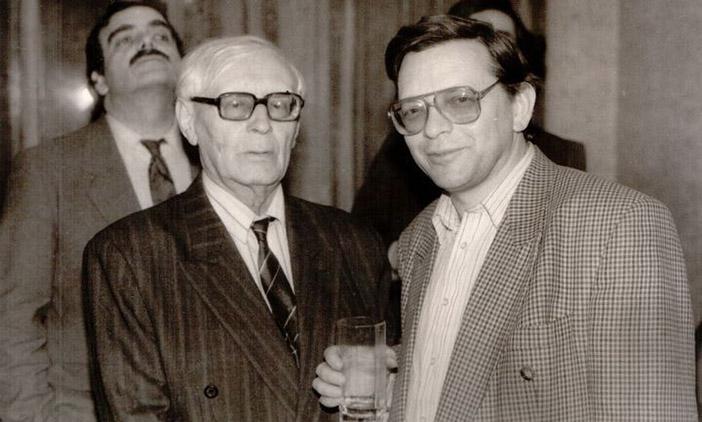 Михаил Ботвинник и Евгений Гик после интервью.  Сзади слева — Игорь Ботвинник