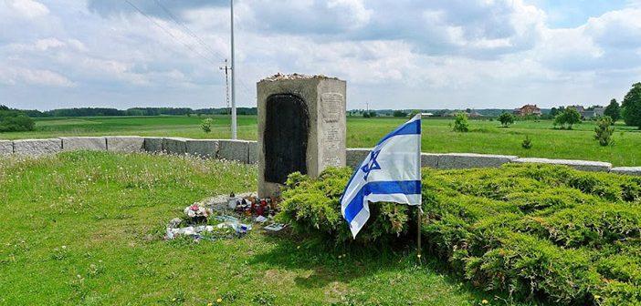 Памятник жертвам погрома в Едвабне