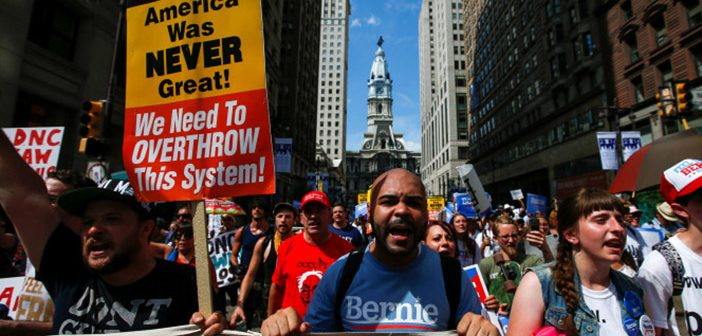 Предвыборный митинг в поддержку социалиста Берни Сандерса в Филадельфии