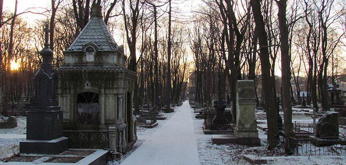 Новодевичье кладбище в Санкт-Петербурге
