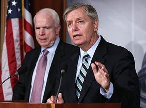 Сенаторы Джон Маккейн и Линдси Грэм,  по московским понятиям «русофобы»
