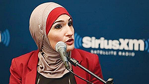 [Image: muslim-american_linda_sarsour_makes_hist...483346.jpg]