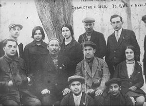 Президент Юлдаш Ахунбабаев спредставителями молодёжного еврейского общества