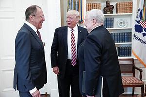 Сергей Лавров, Дональд Трамп и Сергей Кисляк на встрече в Белом доме