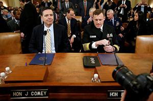 Директор ФБР Джеймс Коми и директор АНБ Майкл Роджерс  на слушаниях о вмешательстве России в президентские выборы США