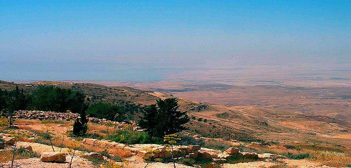 Так смотрится Иудея с гор Моава (Иордания)