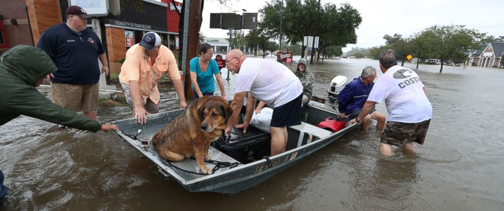 harvey-main-hurricane-harvey-rescue-boats-ap-jt-170827_12x5_992