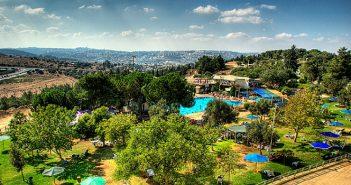 Кибуц «Рамат Рахель» на юго-восточной окраине Иерусалима. Профиль — туристский бизнес