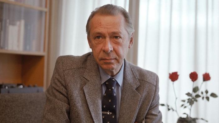 Режиссер Олег Ефремов, 1983 год