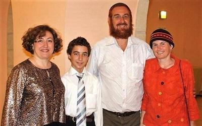 Мириам Гурова (слева) с семьей Глик