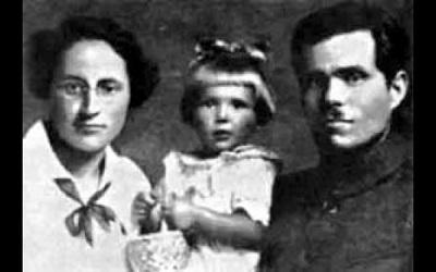 Нестор Махно с женой, Галиной Кузьменко, и дочерью Еленой