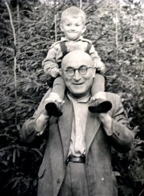 Дедушка и я. 1956 год.
