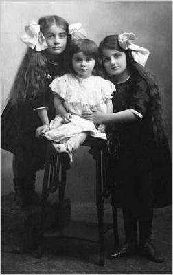 Наташа, Нора и Алиса Розенбаум, 1911 г.