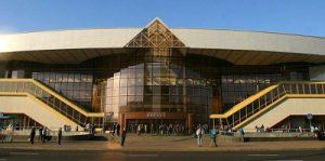 Если долго смотреть на здание минского вокзала, в стеклянной пирамиде можно увидеть масонское око