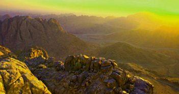 Рассвет на горе Моше (Синай)
