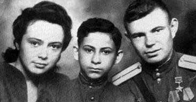 Яков Визгордиски с родителями