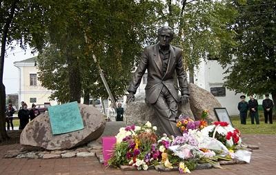 Памятник «штучному человеку» Зиновию Гердту