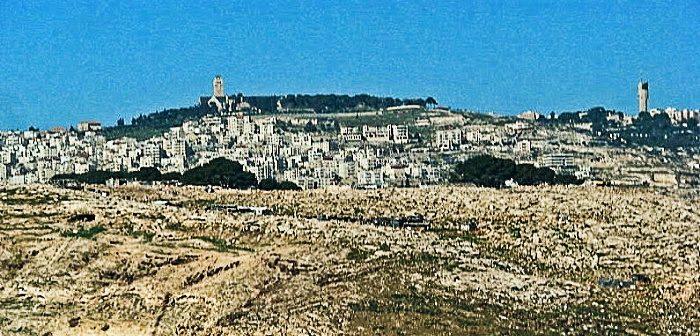 Вид на Масличную гору с востока, из Эль-Азарии