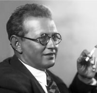 Профессор Александр Бернштам
