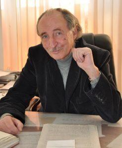 Профессор Анэс Зарифьян
