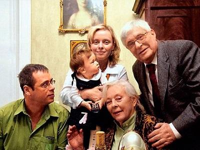Большая семья Олега Басилашвили