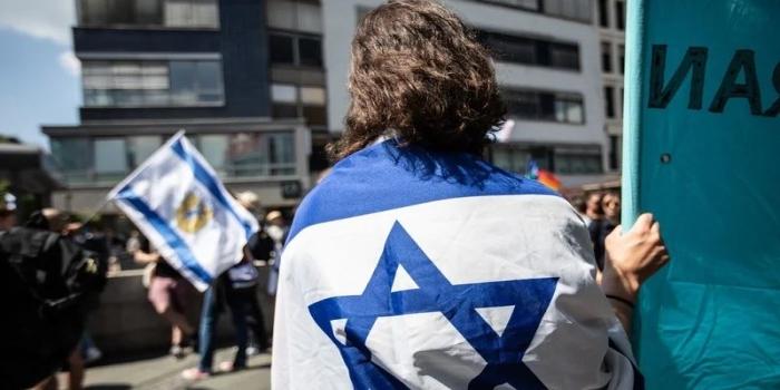 """Произраильские протестующие в """"День Аль-Кудса"""" в Берлине"""