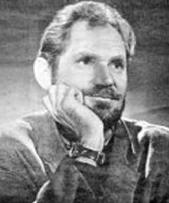 Из архива его жены Лилии Карась-Чичибабиной — газета «Харьковские известия», 10 января 2008 года. В 1946-м, студентом филфака Харьковского университета, был осуждён на 5 лет лагерей «за стихи». Освобождён в 1951-м. Фото: Wikipedia / Общественное достояние  Иван