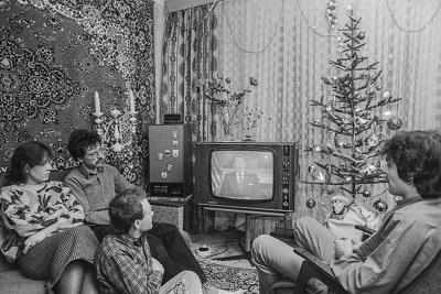 В ожидании новогоднего «Огонька». Фото: maxim-nm.livejournal.com