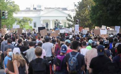 protesters-min