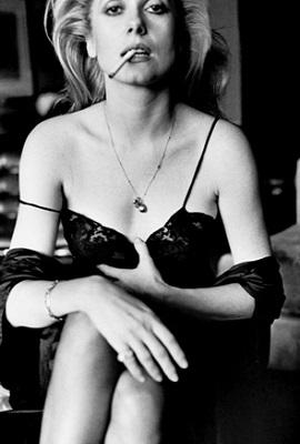 Катрин Денев, «Эсквайр», Париж 1976. Фото: Фото: Гельмут Ньютон