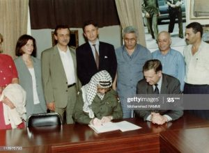 TUNISIA - SEPTEMBER 11: Recognition for Israel by OLP In Tunis, Tunisia On September 11, 1993-Yasser Arafat with Norwegian Foreign Minister Johan Jorgen Holst (Photo by Mohammed HAMMI/Gamma-Rapho via Getty Images)
