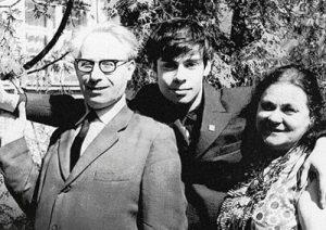 Ефим Шифрин с родителями Фото: horki.info