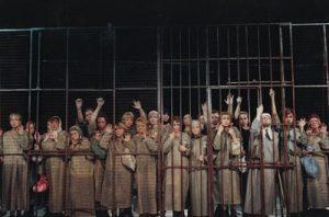 Спектакль «Крутой маршрут» на сцене московского театра «Современник»