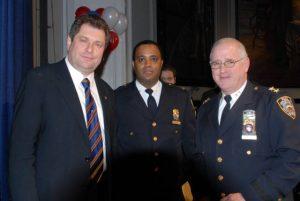 С руководителями Нью-Йоркской полиции Ф. Бэнксом и Д. Факсом