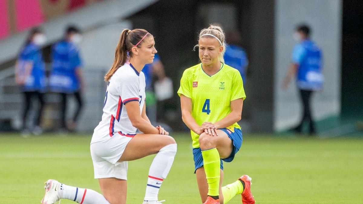 american soccer kneeling