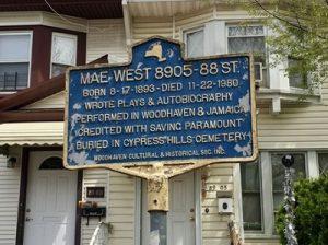 Mae West Tribute. Фото: Andrew Ruppenstein, April 25, 2019. Фото: hmdb.org
