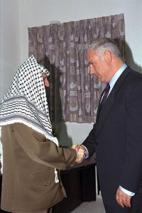 320px-Flickr_-_Government_Press_Office_(GPO)_-_P.M._BENJAMIN_NETANYAHU_SHAKING_HANDS_WITH_PALESTINIAN_AUTHORITY_CHAIRMAN_YASSER_ARAFAT