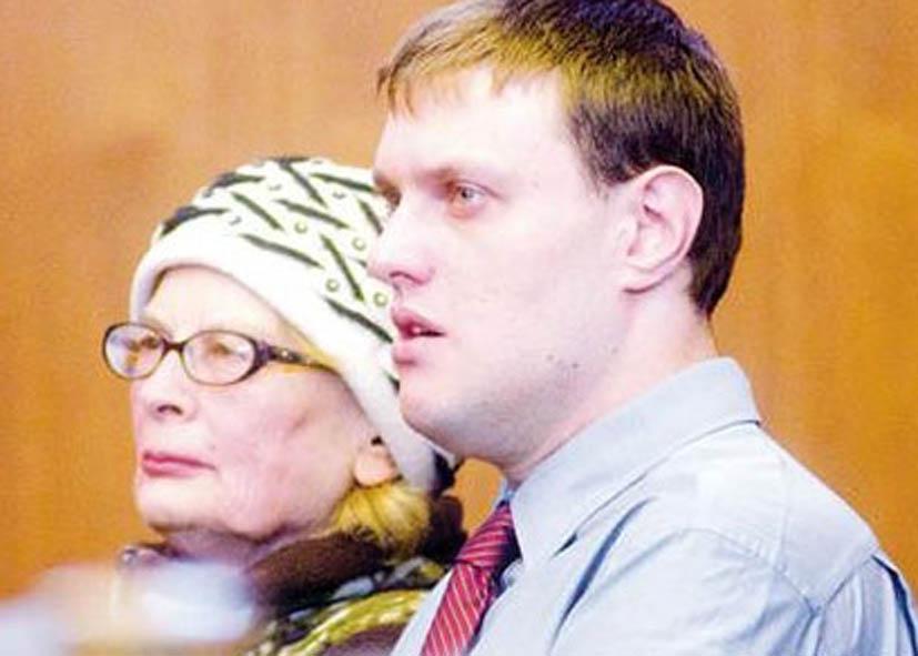 Ирина Кристи с сыном в суде