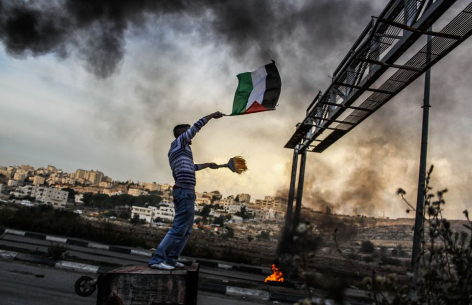 Clashes erupt between Palestinian protesters and Israeli soldiers