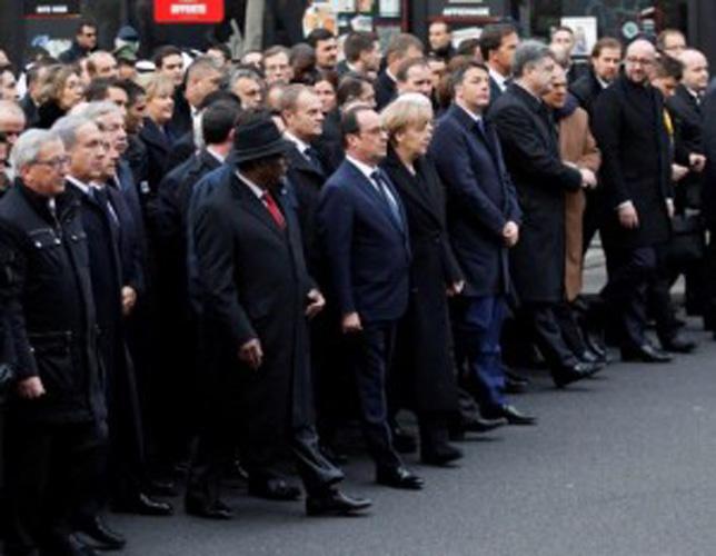На марше памяти лидеры 40 стран шли в общей колонне