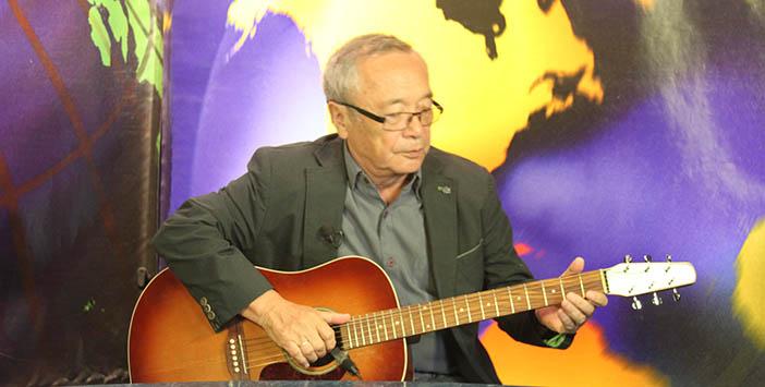 Юлий Ким выступает на телеканале RTN
