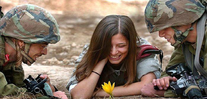 Девочки в армии