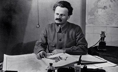 Lev-Trotskij444444