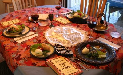 A_Seder_table_settingddddddddddd