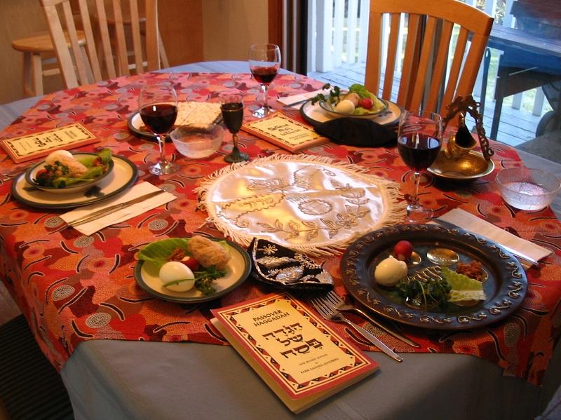 A_Seder_table_settingddddddddddd